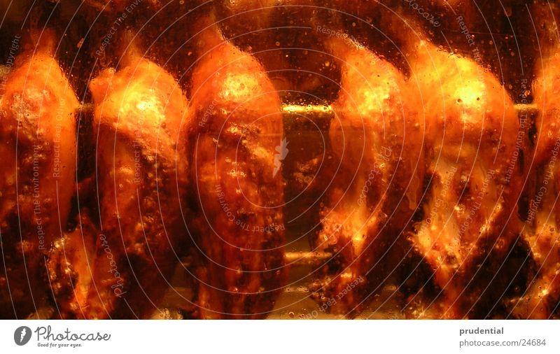 brathähnchen Ernährung lecker Grillen Hähnchen knusprig gold-braun