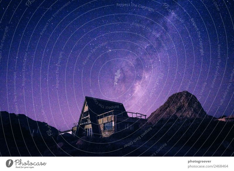 Himmel Natur Ferien & Urlaub & Reisen Landschaft Haus Berge u. Gebirge Umwelt Tourismus Stimmung Häusliches Leben wandern Erde Abenteuer Stern geheimnisvoll