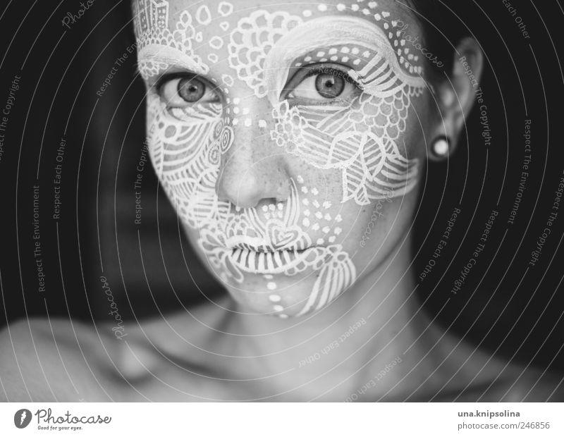ich bin dann mal weg... Schminke feminin Junge Frau Jugendliche Erwachsene Haut Gesicht 1 Mensch 18-30 Jahre Zeichen Ornament Linie einzigartig malen bemalt