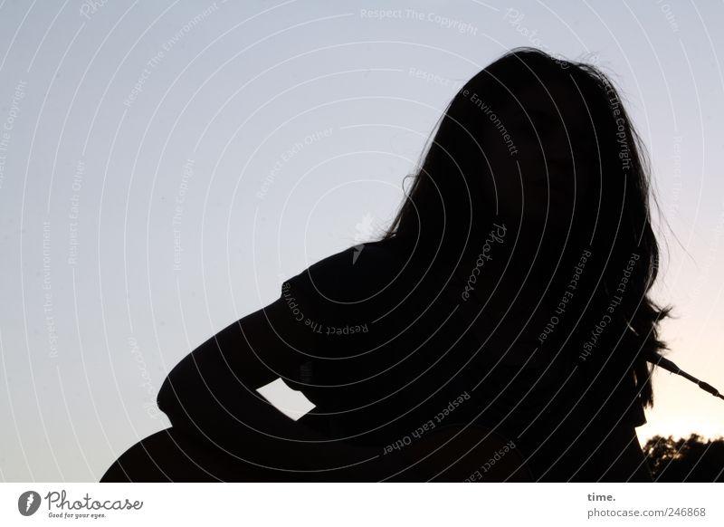 Stella Cruz   Horizon Haare & Frisuren Mensch Junge Frau Erwachsene Kopf 1 18-30 Jahre langhaarig Stimmung Farbfoto Gedeckte Farben Außenaufnahme