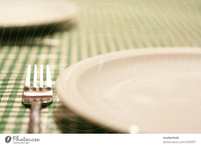 50mm-Food Ernährung Lebensmittel Zufriedenheit Ordnung ästhetisch Gastronomie Geschirr Teller kariert Gabel Tischwäsche Spießer Besteck penibel