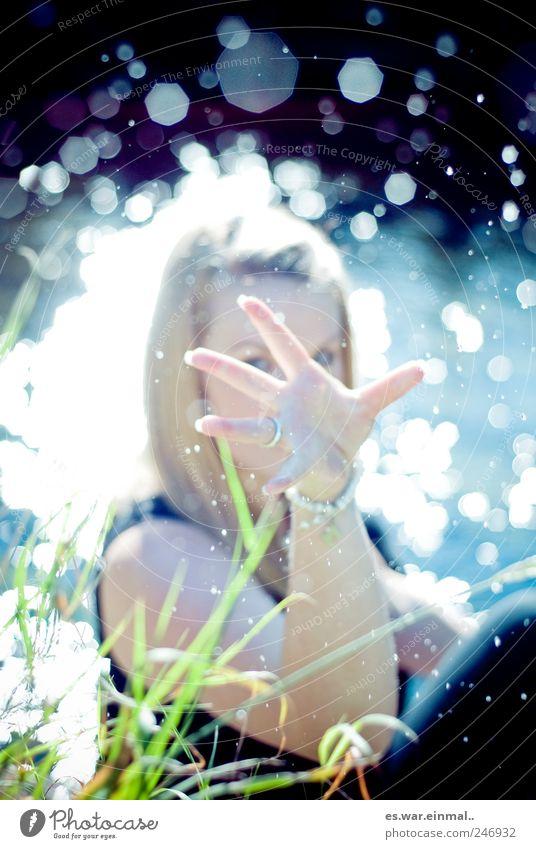 splash Wasser Hand kalt feminin Wassertropfen