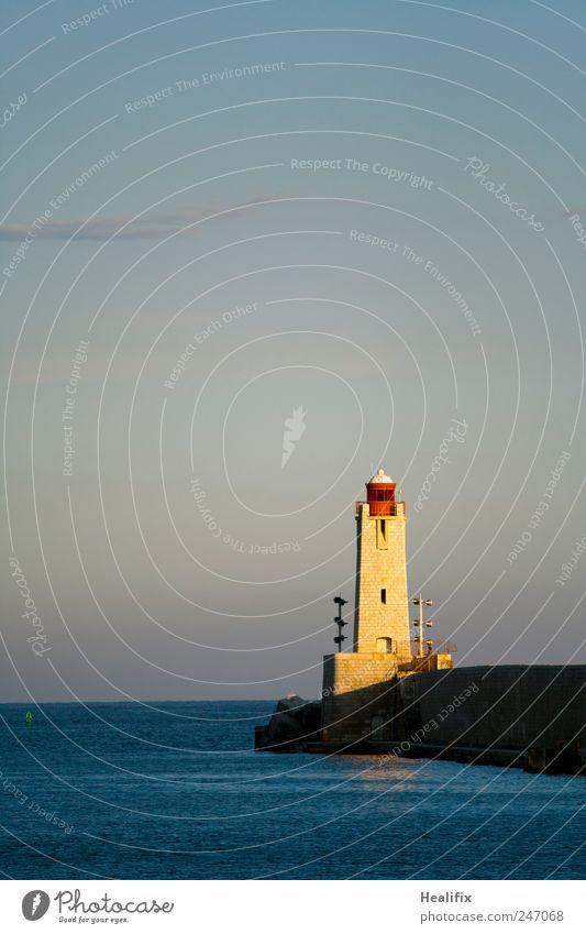 NICE LIGHTHOUSE Himmel Wasser blau Meer gelb Küste Fassade Verkehr Sicherheit Schönes Wetter Segeln Schifffahrt Wachsamkeit Frankreich Leuchtturm Navigation