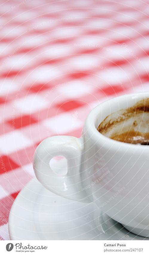 koffeinhaltiges Heißgetränk weiß rot schwarz Erholung klein nass Beginn Getränk Kaffee stehen trinken heiß Geschirr Tasse kariert Tuch