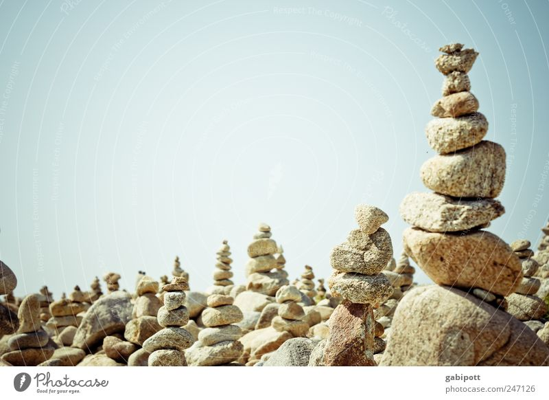 noch ein Steinstapel Himmel blau Sommer Spielen Landschaft hell braun Zufriedenheit hoch Freizeit & Hobby planen viele Gelassenheit Reihe Stapel