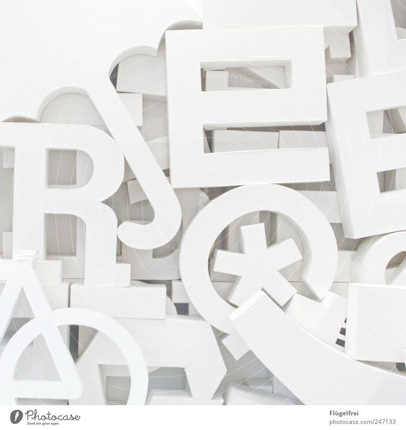Designerspielplatz* 2 Kunst hell Buchstaben Haufen Karton clean Typographie Regenschirm Ziffern & Zahlen Projekt Studium viele Schwarzweißfoto Innenaufnahme
