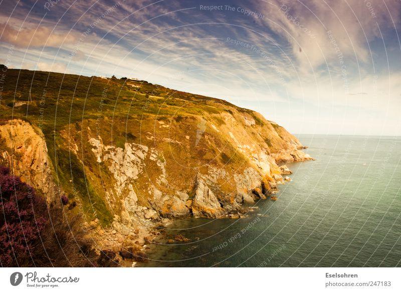 Das schönste. #2 Umwelt Natur Landschaft Wasser Himmel Wolken Sommer Schönes Wetter Gras Sträucher Wiese Hügel Felsen Küste Strand Bucht Meer wild Gelassenheit