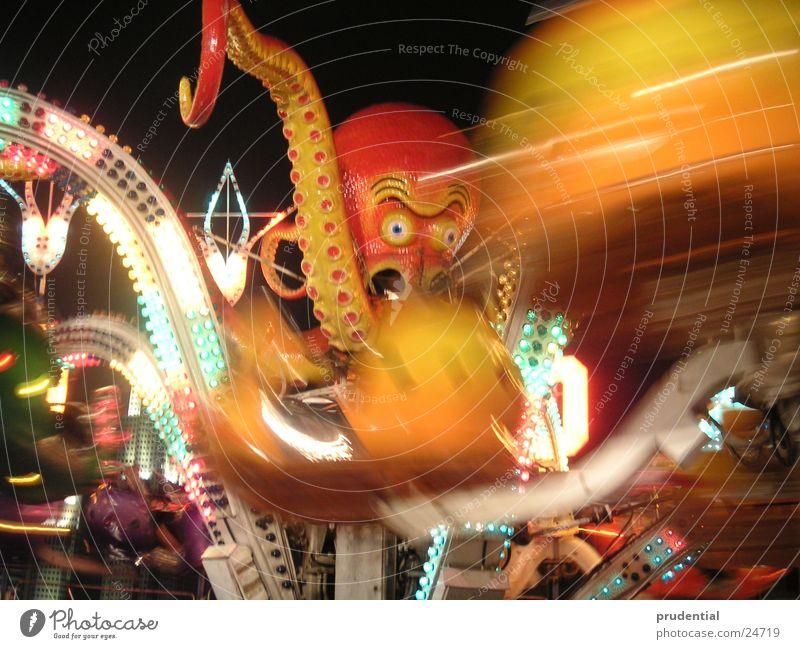 rummelplatz 2 Jahrmarkt Karussell Langzeitbelichtung dunkel Dienstleistungsgewerbe carousel merry-goround roundabout octupus Licht Abend