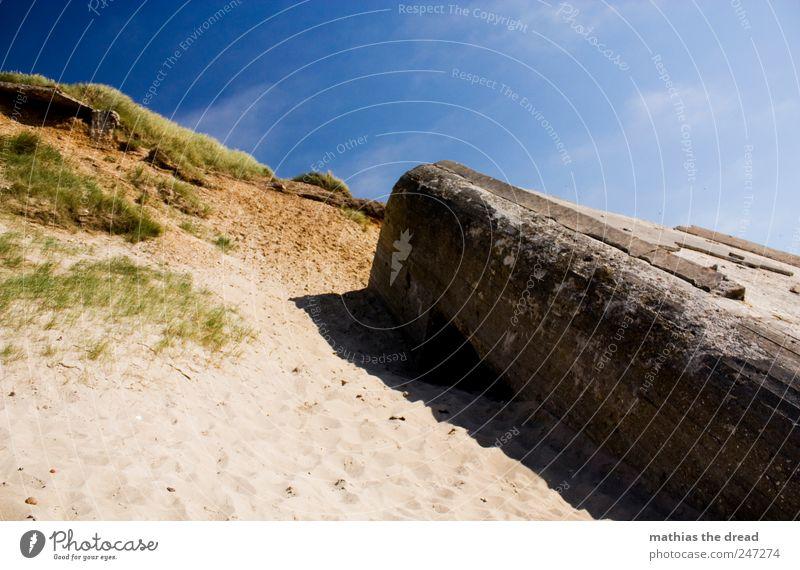 DÄNEMARK - XXV Umwelt Natur Landschaft Himmel Horizont Sommer Schönes Wetter Gras Strand Nordsee Menschenleer Ruine Bauwerk Gebäude Mauer Wand Fassade alt