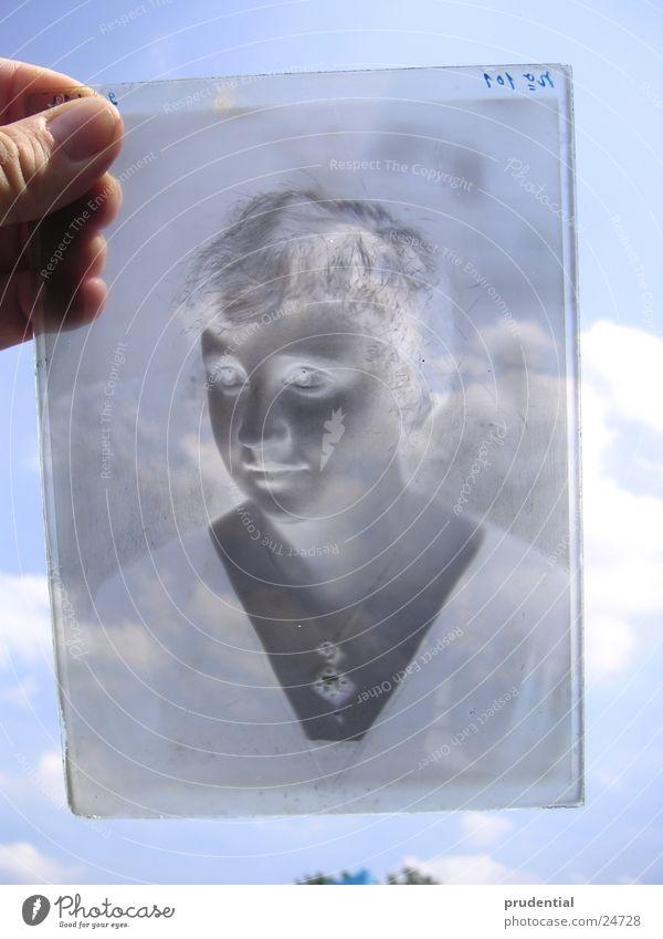 negativ Frau Kind Himmel Fotografie Glas Handwerk