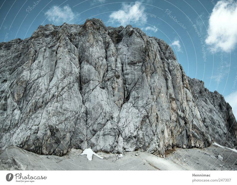Wer findet die vier Bergsteiger? Natur blau Sommer Ferien & Urlaub & Reisen Berge u. Gebirge Landschaft Umwelt grau Stein Ausflug wandern hoch Felsen groß