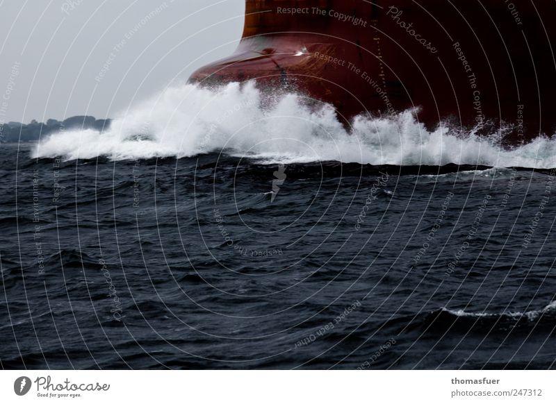 globale Schubkraft Himmel Wasser weiß rot Meer grau Wasserfahrzeug Wellen Kraft groß Verkehr Geschwindigkeit fahren Güterverkehr & Logistik Nordsee stark