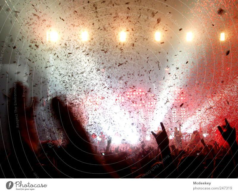 Duschgel nicht nötig! Freude Nachtleben Party Veranstaltung Musik Club Disco Feste & Feiern Tanzen Mensch Leben Kopf Arme Hand Finger Menschenmenge authentisch