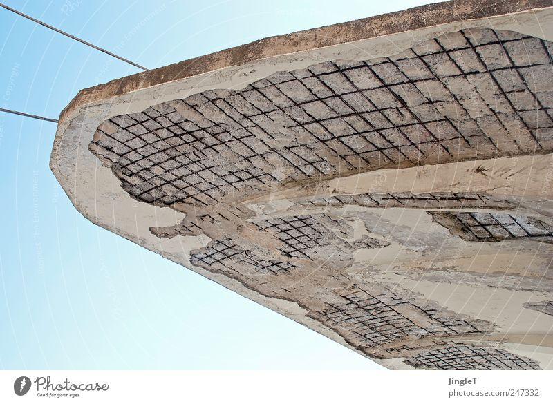 geplatzter kragen [100] blau weiß Sommer Gebäude Europa Dach Vergänglichkeit Bauwerk Italien Verfall Stadtzentrum