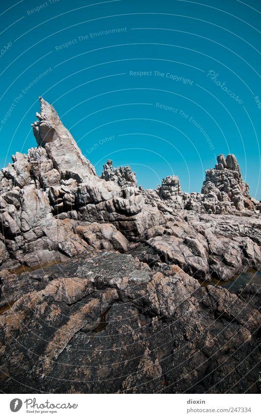 on another planet Himmel Sommer Ferien & Urlaub & Reisen Ausflug Felsen Insel Tourismus wild authentisch außergewöhnlich bizarr Frankreich eckig steil Wolkenloser Himmel Bretagne