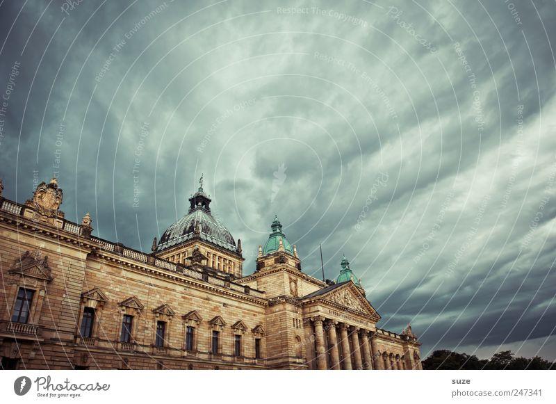 Richtplatz Himmel Wolken Umwelt dunkel Architektur Gebäude Deutschland Wetter Macht Bauwerk historisch Leipzig Gesetze und Verordnungen Sightseeing dramatisch Politik & Staat