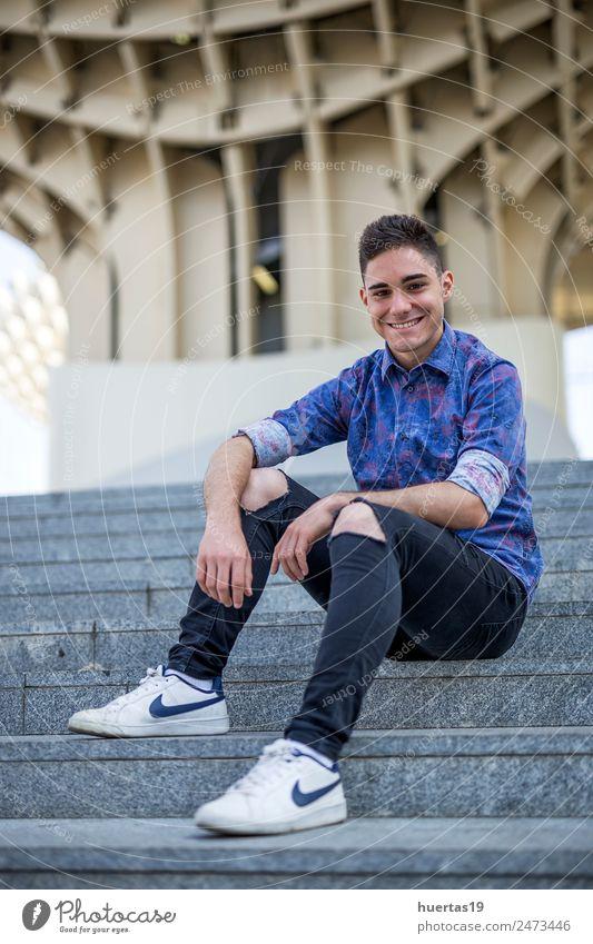 Mensch Jugendliche blau schön Junger Mann 18-30 Jahre Erwachsene Lifestyle maskulin Körper sportlich
