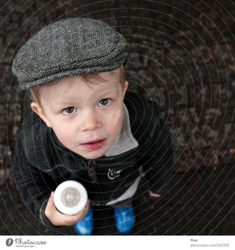 F. Mensch maskulin Kind Kleinkind Junge Kindheit Kopf 1 1-3 Jahre Jacke Hut Mütze Haare & Frisuren Blick blond Freundlichkeit Fröhlichkeit Freude Glück