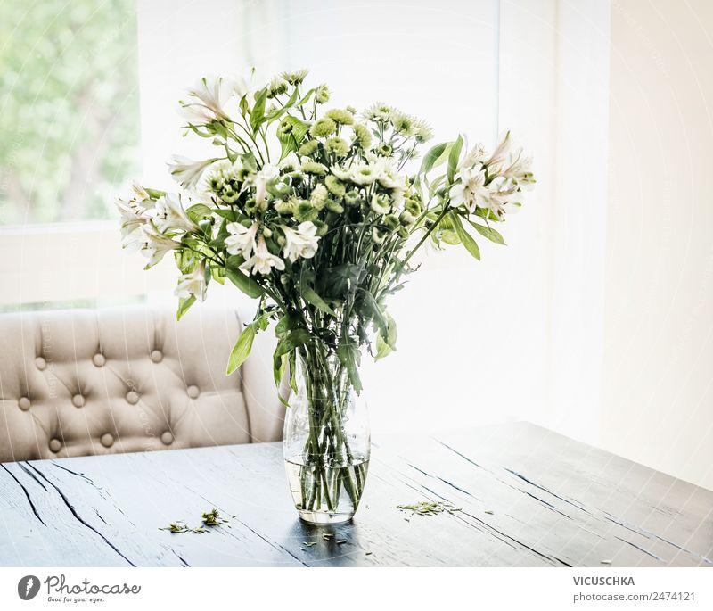 Sommer Blumen Bündel im Vase auf Tisch grün Haus Fenster Innenarchitektur Stil Häusliches Leben Design Wohnung Dekoration & Verzierung Blumenstrauß Wohnzimmer