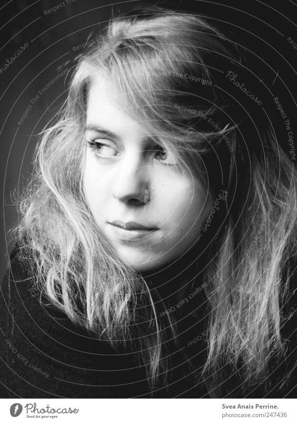 wild wie du . feminin Junge Frau Jugendliche Haare & Frisuren Gesicht 1 Mensch 18-30 Jahre Erwachsene blond langhaarig einzigartig Traurigkeit Sorge Trauer