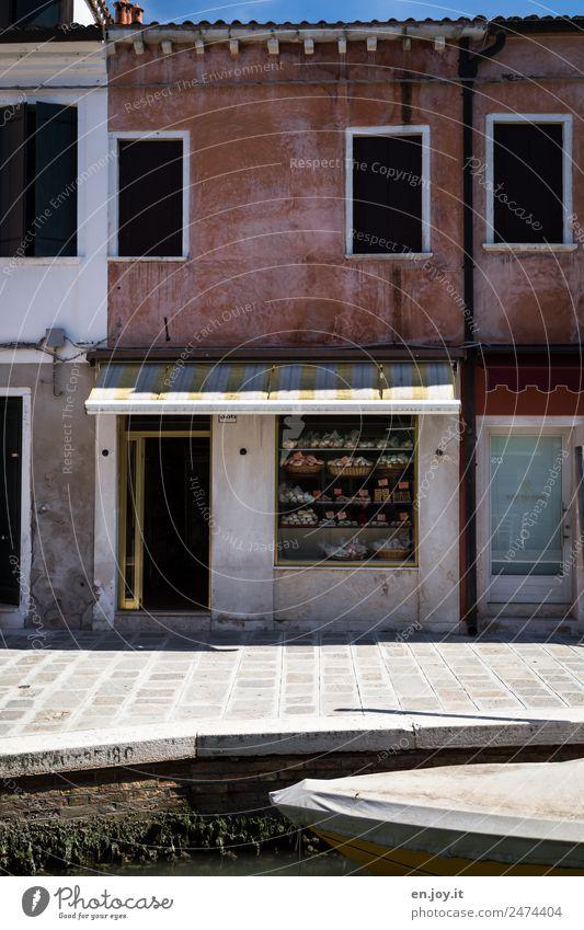 einkaufen Ferien & Urlaub & Reisen alt Stadt Haus Gebäude Fassade Ausflug dreckig trist Vergänglichkeit Italien Sommerurlaub Städtereise Altstadt Dorf