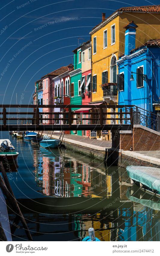 drüben Ferien & Urlaub & Reisen Farbe Haus Wege & Pfade Tourismus Fassade Ausflug Häusliches Leben Europa Idylle Insel Brücke Italien Sehenswürdigkeit