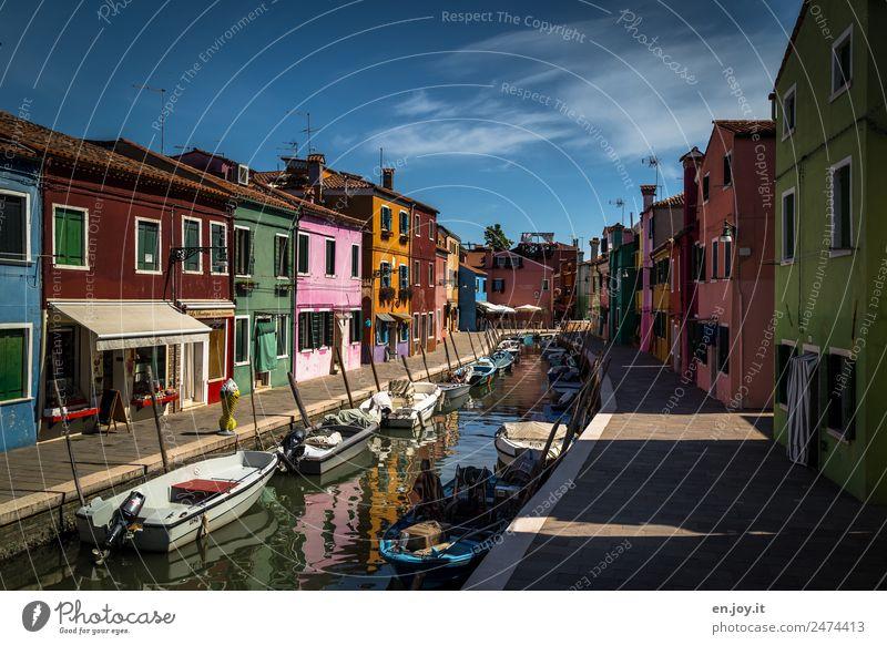 kurvig Ferien & Urlaub & Reisen Tourismus Ausflug Sightseeing Städtereise Sommerurlaub Insel Burano Venedig Italien Europa Fischerdorf Kleinstadt Hafenstadt