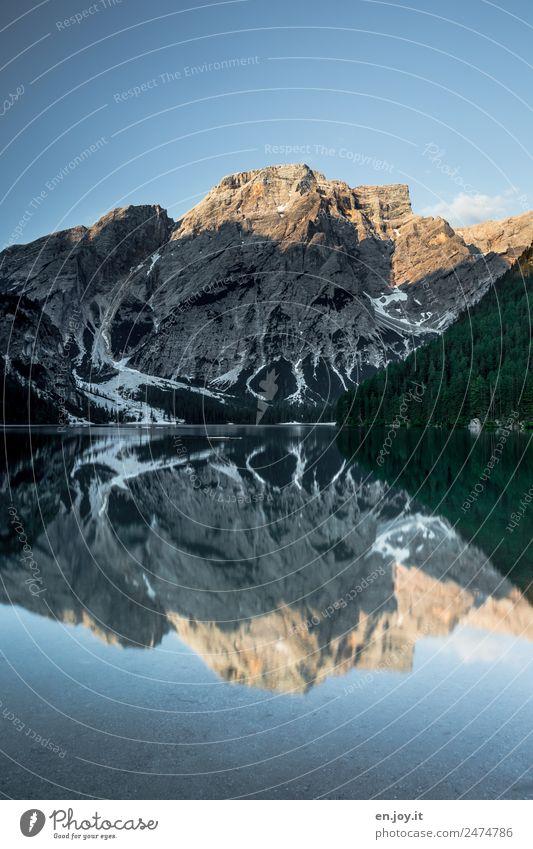 windstill Himmel Natur Ferien & Urlaub & Reisen Sommer Landschaft Erholung Einsamkeit ruhig Ferne Berge u. Gebirge See Ausflug Idylle Abenteuer Schönes Wetter