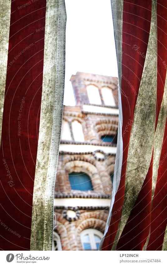 Riss im Raum-Zeit-Kontinuum Lüneburg Deutschland Europa Kleinstadt Altstadt Menschenleer Haus Gebäude Architektur Fassade Sehenswürdigkeit Streifen