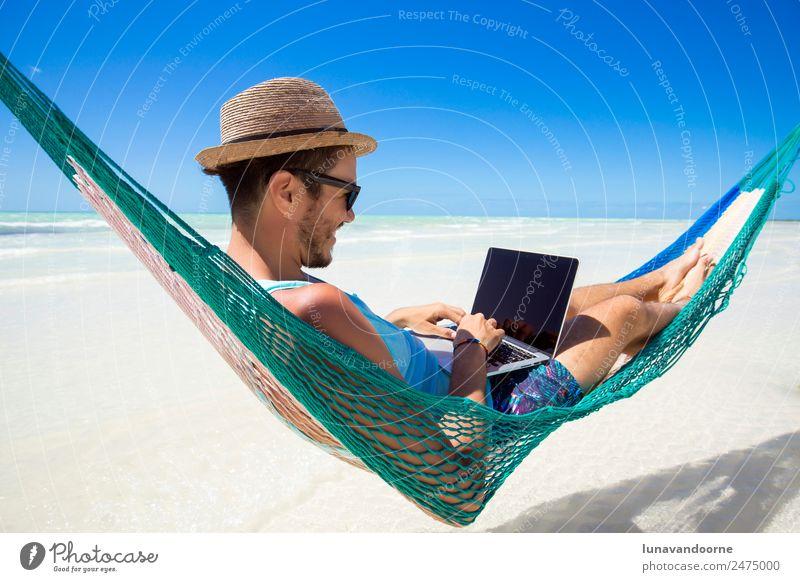 Mensch Ferien & Urlaub & Reisen Jugendliche Sommer Erholung Strand 18-30 Jahre Erwachsene Lifestyle Business Arbeit & Erwerbstätigkeit Technik & Technologie