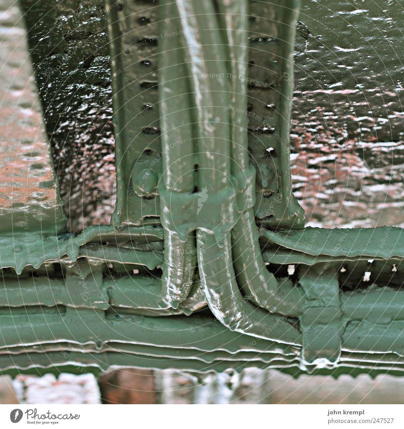 kreuzung Schifffahrt Kreuzfahrt Passagierschiff Fähre Kabel Kabelsalat Metall Kunststoff alt dreckig grün Farbe Sicherheit Teamwork Vergänglichkeit türkis