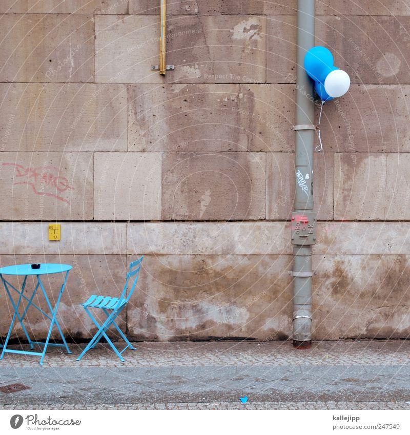 partyservice blau Stil Lifestyle Mauer Feste & Feiern Arbeit & Erwerbstätigkeit Tourismus Tisch Luftballon Stuhl Bürgersteig Gastronomie Veranstaltung