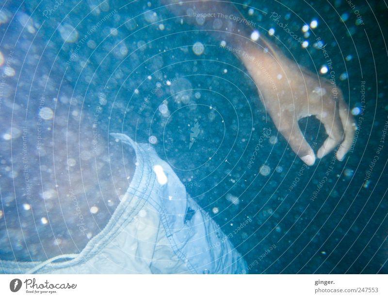 Wasserqualität 1A blau Hand Meer Umwelt Freizeit & Hobby Schwimmen & Baden Finger Punkt tauchen Bauch zeigen Luftblase Badehose Körperteile Unterwasseraufnahme