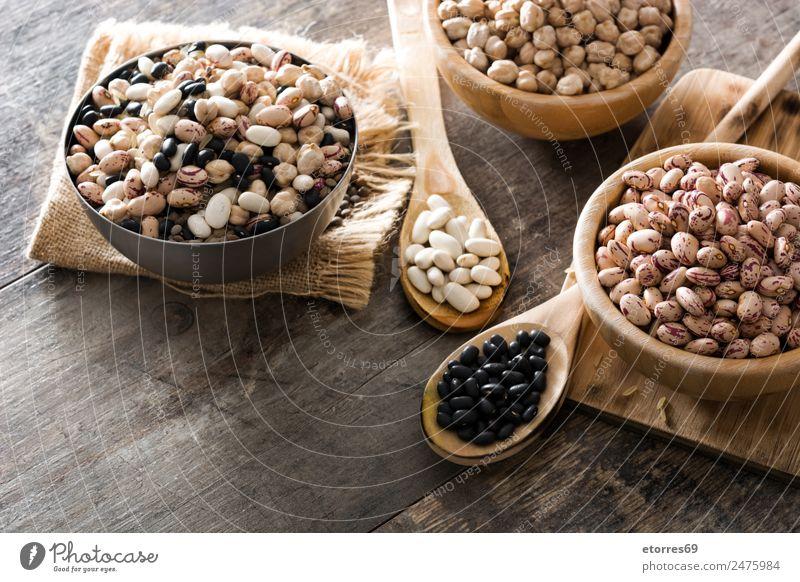 Ungekochte, sortierte Hülsenfrüchte Lebensmittel Gesunde Ernährung Foodfotografie Getreide Essen Bioprodukte Vegetarische Ernährung Diät Schalen & Schüsseln