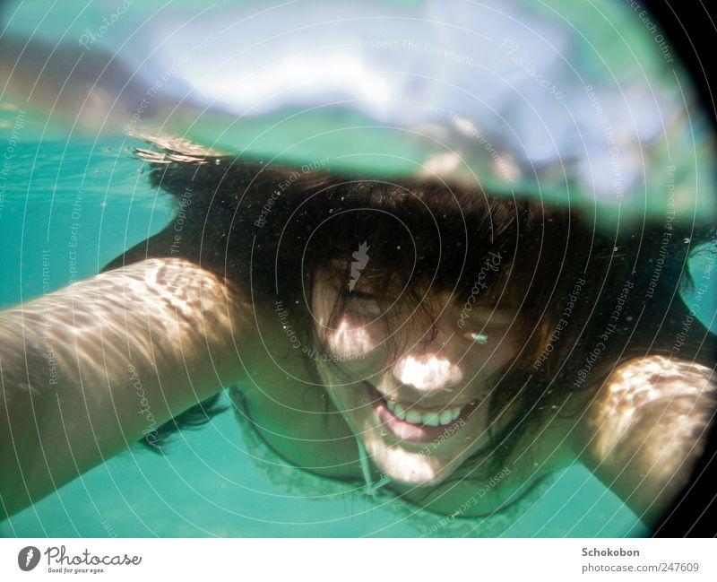 woman under water2 feminin Haare & Frisuren Gesicht 1 Mensch 18-30 Jahre Jugendliche Erwachsene Wasser Bikini schwarzhaarig brünett Bewegung Erholung genießen