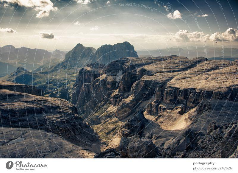 ... hinter den sieben Bergen ... Natur Landschaft Urelemente Erde Luft Himmel Wolken Sommer Schönes Wetter Wind Gras Wiese Alpen Berge u. Gebirge Schlucht Stein
