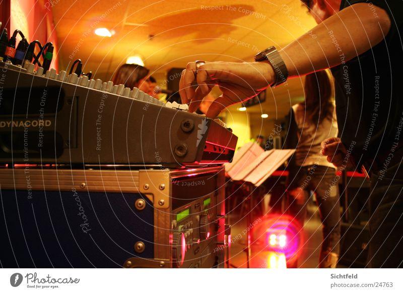 LIVE* Mischpult Musik Menschengruppe Konzert Schnur Musiker live Musikmischpult Chor