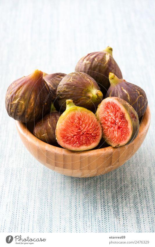 Frische Feigen in der Schale auf blauem Hintergrund Frucht Lebensmittel Gesunde Ernährung Foodfotografie Gesundheit frisch Antioxidans roh süß tropisch Vitamin