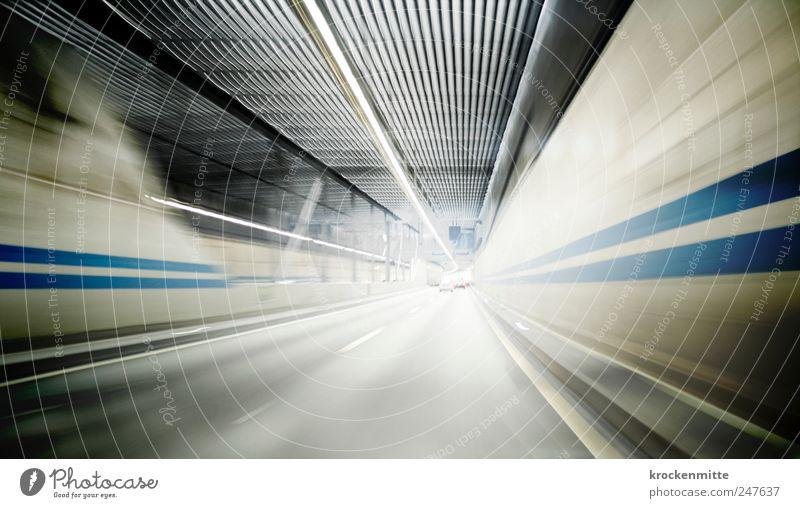 Auf der Jagd nach der verlorenen Zeit III blau Straße Bewegung PKW Linie Verkehr Geschwindigkeit fahren Streifen Asphalt Autobahn Tunnel Verkehrswege Autofahren