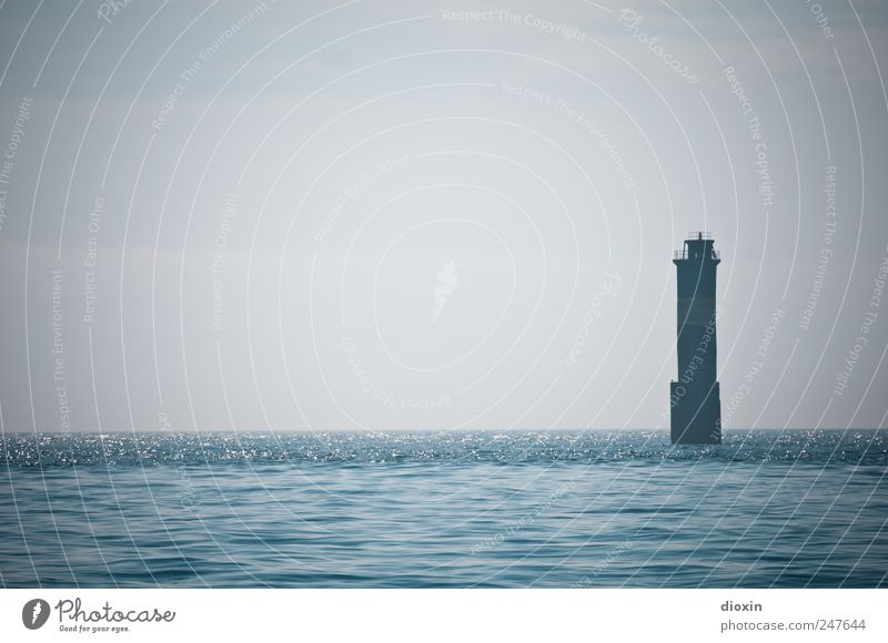 Phare de Kéréon Ferien & Urlaub & Reisen Tourismus Ausflug Ferne Sightseeing Meer Insel Wellen Wasser Himmel Horizont Küste Atlantik Turm Leuchtturm Bauwerk