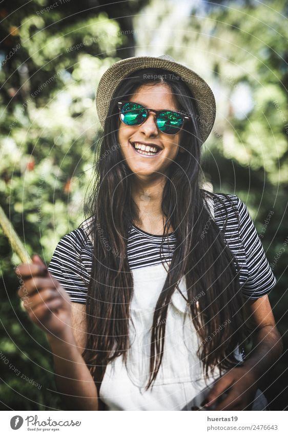 Porträt des schönen brünetten Mädchens Lifestyle elegant Stil Mensch feminin Junge Frau Jugendliche Erwachsene Haare & Frisuren 18-30 Jahre Mode natürlich