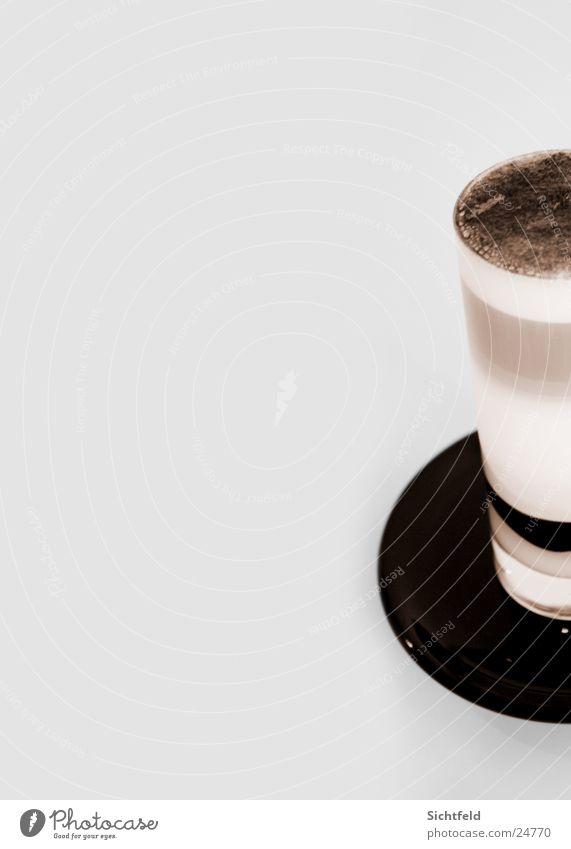 latte macchiato weiß braun Glas genießen süß rund Niveau Kaffee Alkohol Espresso Kaffeetasse Untertasse Latte Macchiato Farbe Milchkaffee Kaffeeschaum