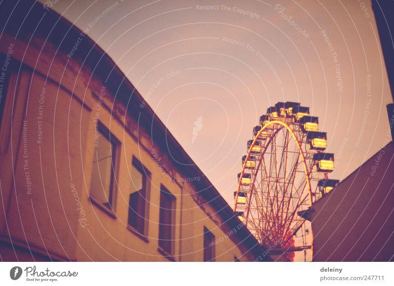 lichter über der stadt Stadt Freude Kultur Jahrmarkt Lebensfreude stagnierend Riesenrad