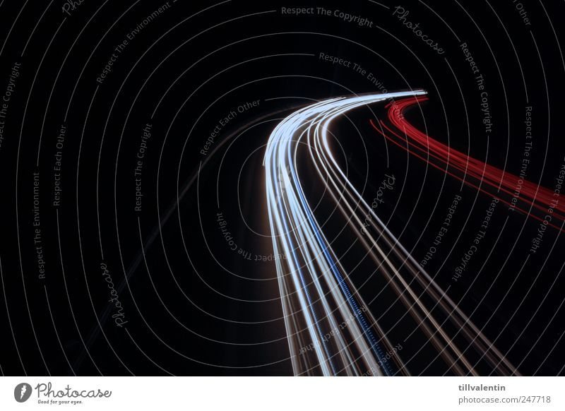 schwarz. weiß. rot. weiß rot schwarz gelb Straße Arbeit & Erwerbstätigkeit PKW Verkehr fahren Autobahn Verkehrswege Autofahren Fahrzeug Straßenverkehr Verkehrsmittel