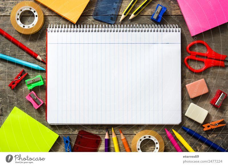 Zurück zur Schule Bildung Klassenraum Arbeitsplatz Büro Kunst Papier Schreibstift Holz mehrfarbig grün rosa rot weiß zurück zur Schule Notizbuch Schere
