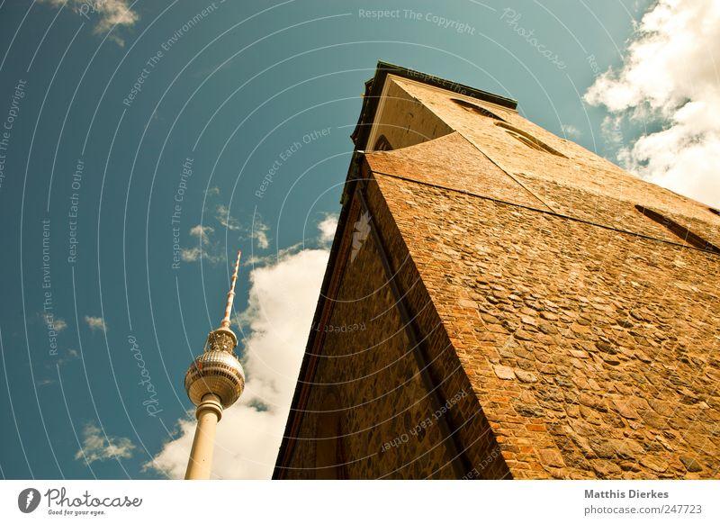 Iglesia de Santa Maria Himmel alt Stadt Berlin hoch Tourismus Kirche Denkmal Wahrzeichen Stadtzentrum Tourist Berlin-Mitte Hauptstadt Dom Sehenswürdigkeit Berliner Fernsehturm