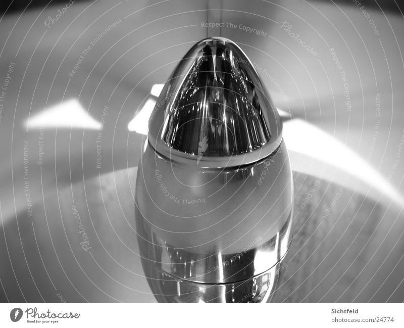Ventilator Chrom Genf Schweiz Reflexion & Spiegelung Fototechnik Schwarzweißfoto Geschwindigkeit Detailaufnahme Reflektion