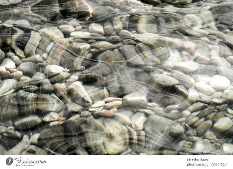 steinig | unter der Oberfläche harmonisch Erholung ruhig Meditation Wellen Umwelt Natur Urelemente Wasser Küste Seeufer Flussufer Bach Stein Bewegung ästhetisch