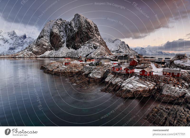 Himmel Natur Ferien & Urlaub & Reisen blau Wasser Landschaft weiß rot Erholung Haus Wolken ruhig Winter Fenster Berge u. Gebirge schwarz
