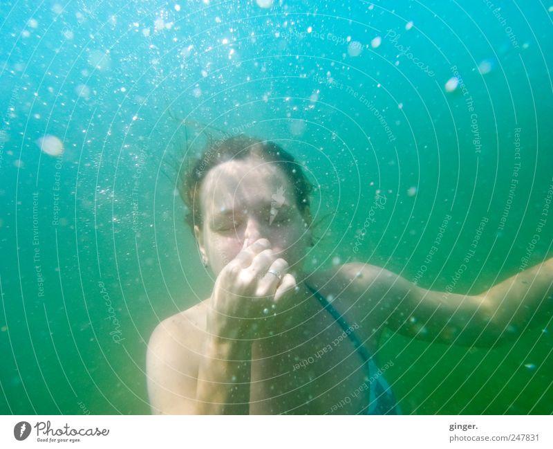 Eigenheiten einer Nixe Mensch Jugendliche Hand Freude Ferien & Urlaub & Reisen Meer Auge Leben feminin Erwachsene nass Nase Schwimmen & Baden authentisch tauchen Blase